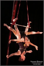 'Dos Chicas'  --  Award winning Duo Trapeze